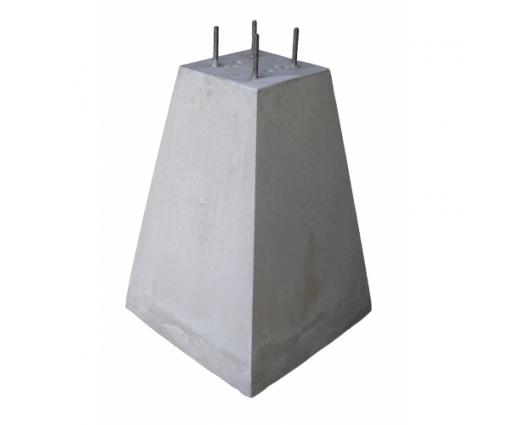 Poer 70 cm hoog + 4x draadeind M12