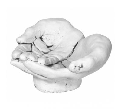 Vogeldrinkbak handen